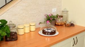 עיצוב מטבח כפרי קלסי - דלפק הגשה