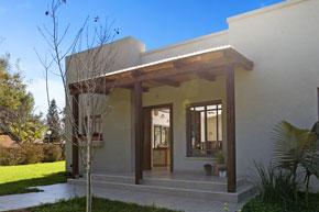 חזית בית דו משפחתי - אדריכלות ועיצוב בפנים בית פרטי